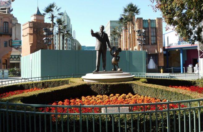 DisneyGuide-e1471285701681